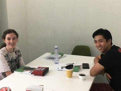 Orion met klasgenoten in Shanghai