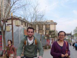 Fietsen door de straten van Chengde
