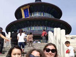 Marie, Jasmine en Christina aan het sightseeing in Beijing