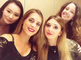 Studenten genieten van Pekingeend