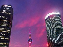 Felle lichten 's nachts in Shanghai